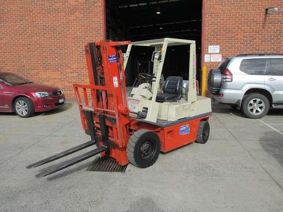 Used Nissan Forklift LPG 2500kg