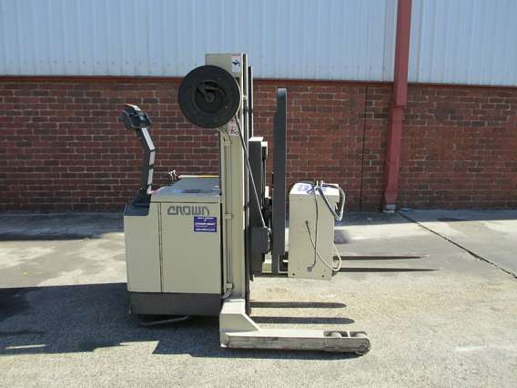 Used Crown Walkie Reach Stacker 1500kg