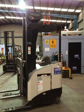 Used Crown Electric Forklift 1600kg