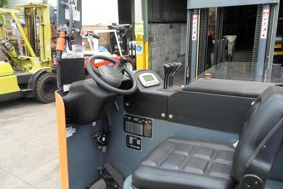 Electric Sit Down Reach Trucks