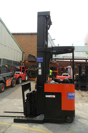Electric Reach Truck Forklift 1800kg+