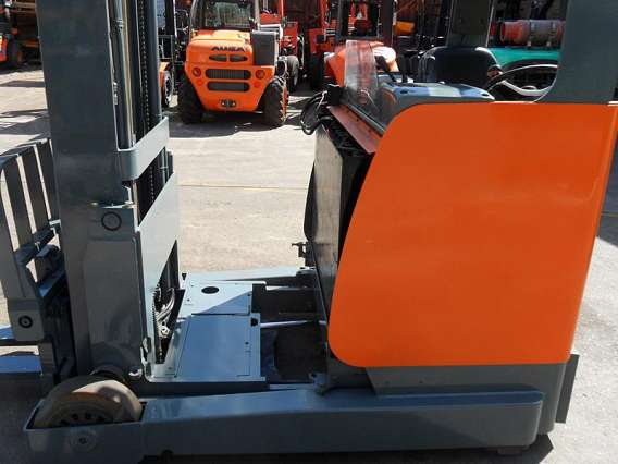 Electric Reach Truck Forklift 2000kg