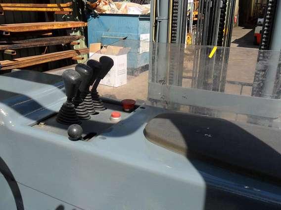 Electric Reach Truck Forklift 2000kg