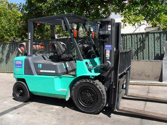 Petrol/LPG Forklifts 4000kg