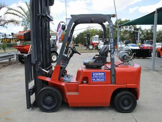 Nissan Forklift J02
