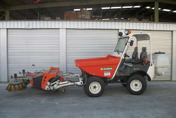 Ausa Ride On Scrubber