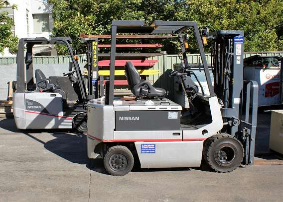 Hire 4 Wheel Electric Forklift 1800kg+ from Lencrow