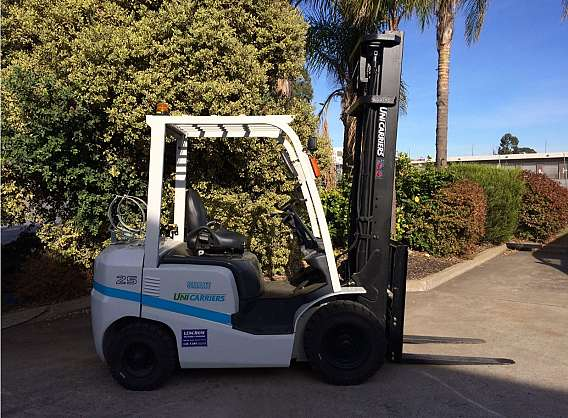 Used 2.5T Unicarrier Forklift