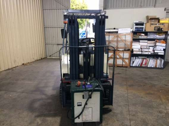 Used 1.6T 3 wheel Nissan Counterbalanced Forklift