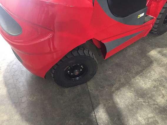 2500kg Diesel Xilin Forklift