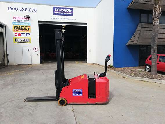 Used Counterbalanced Stacker