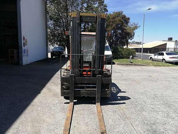 Used Mast Explorer All Terrain Forklift 2500kg