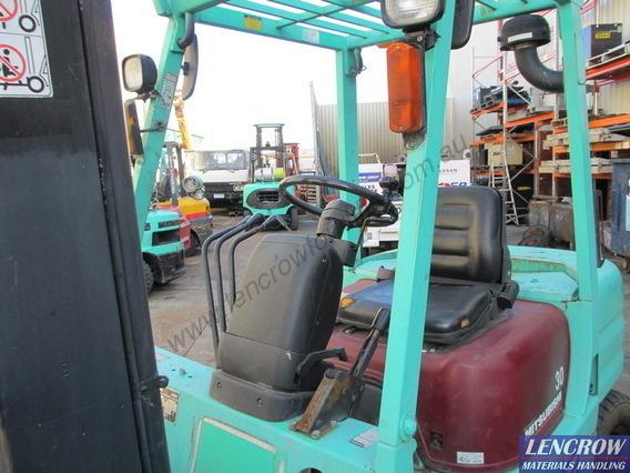 Used Mitsubishi Diesel Forklift 3000kg