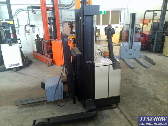 Used Crown Walkie Reach Truck 1250kg