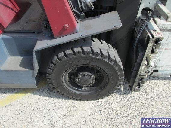 Used Nissan Forklift 2500kg Whitegoods Container