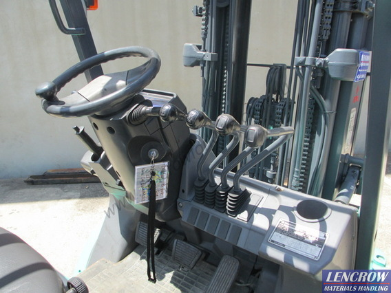 Used Mitsubishi Container Forklifts 2500kg