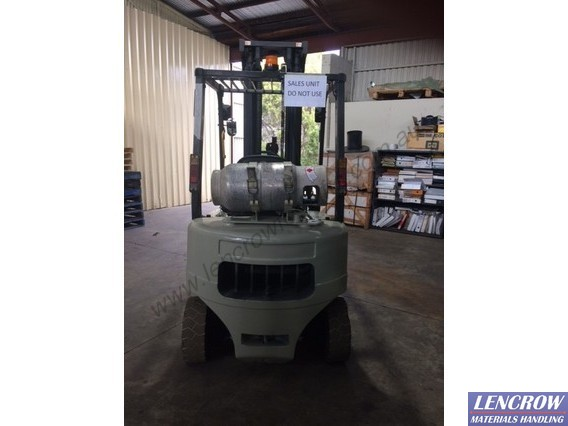 Used Crown 2000 kg forklift