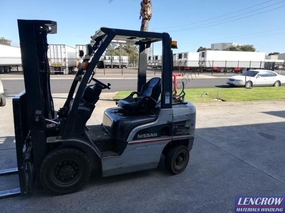 Used Nissan P1F2A25U LPG Forklift