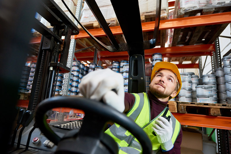 A Complete Guide to Forklift Renting and Buying