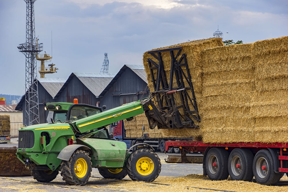 Why Telehandlers are Important for Growing Agricultural Businesses