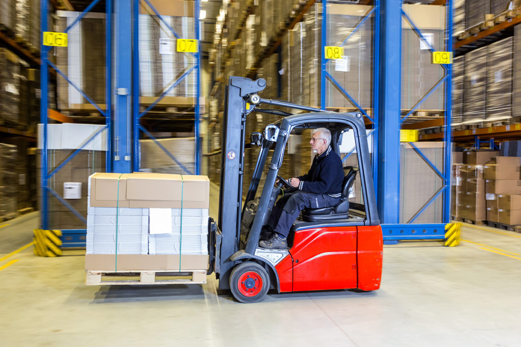 How to Encourage Active Risk Assessment When It Comes to Forklift Operation