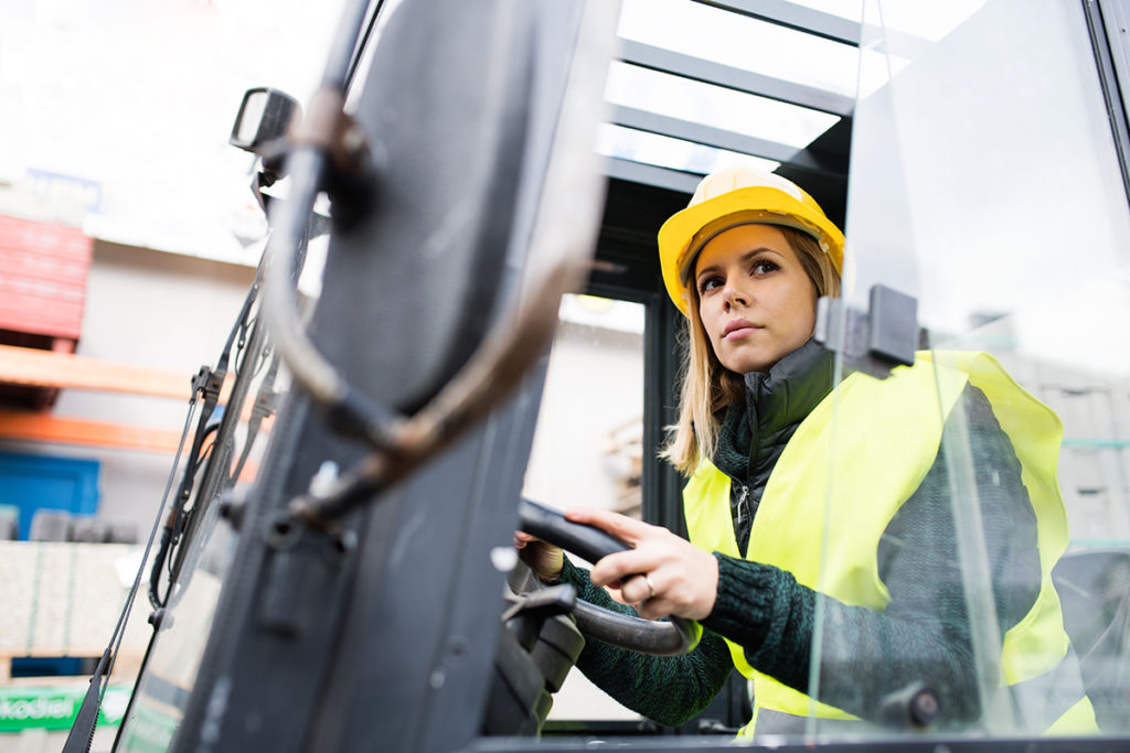 How Hiring the Right Forklift Driver Can Impact Your Productivity